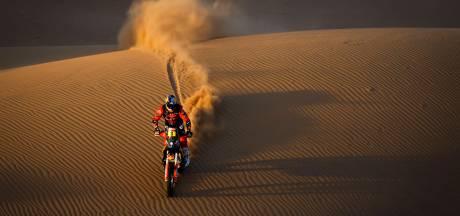 Tweevoudig winnaar Price valt uit na zware crash in Dakar Rally