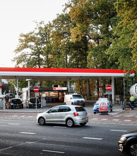 Buurt baalt: Tankstation 24 Oktoberplein trekt overlast aan