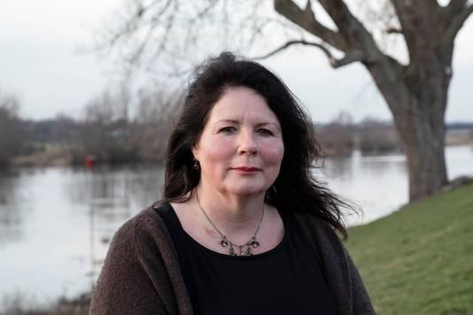 DS-2019-1109 - Zutphen - Schrijfster Josha Zwaan schreef een boek over de overleden annorexia-patiënte Emma Caris. Emma wil leven. VOORKEUR