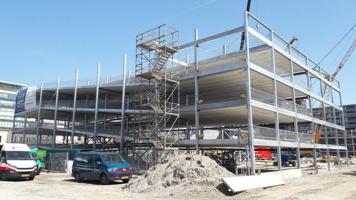 Parkeergarage Bisonspoor is in september klaar.