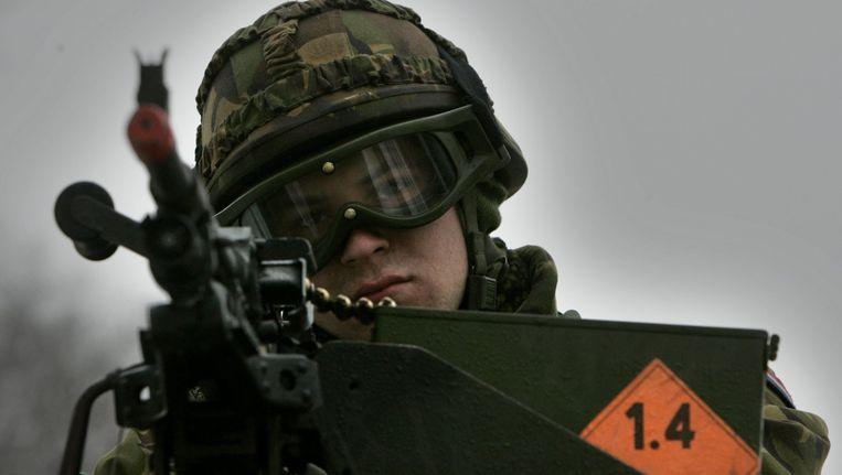 De eenheid Deployment Task Force (DTF) Afghanistan tijdens een oefening in 't Harde ter voorbereiding op de missie in Uruzgan in 2006. Beeld anp