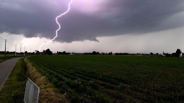 Onweer boven het West-Vlaamse Wervik.