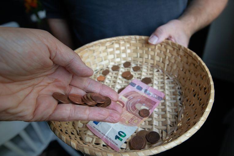 Tongerse pastoor wil liever geen rosse muntjes meer tijdens geldinzameling.