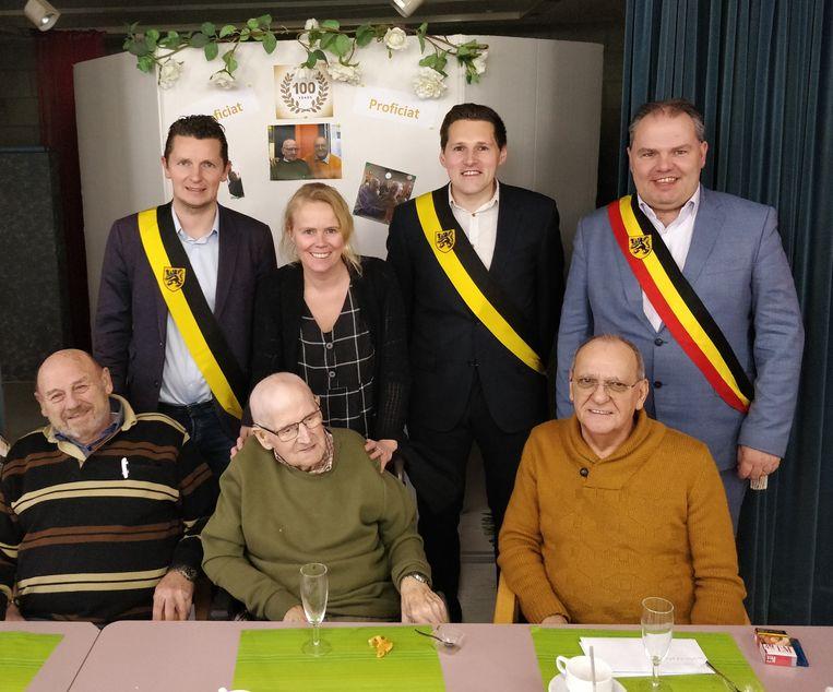 Juliaan Crul vierde zijn 100ste verjaardag in WZC Ter Hollebeke.