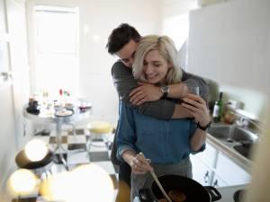 Le micro-dating, la tendance qui aide les couples débordés à se retrouver