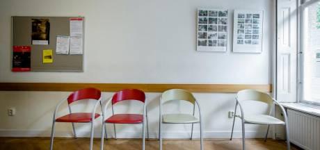 Man (44) bedreigt baliemedewerkster politie Breda met stoel