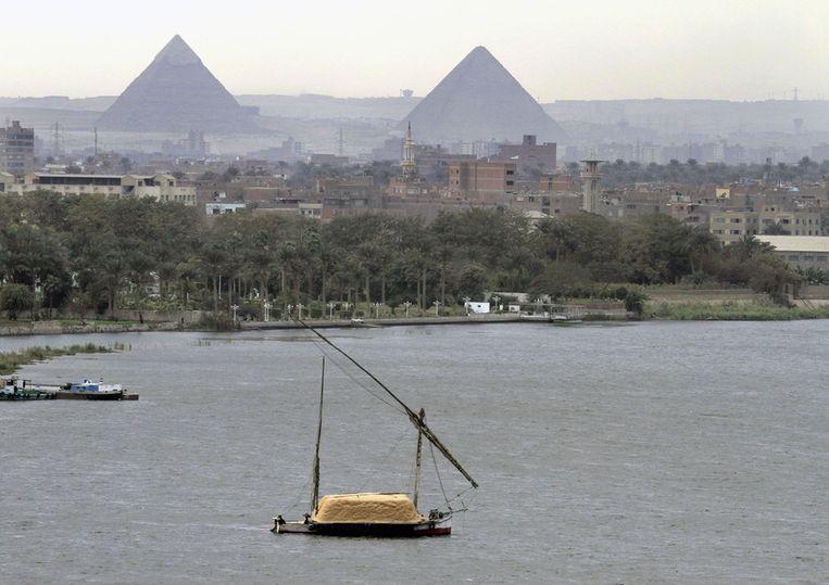 De Nijl ter hoogte van de piramides van Gizeh. Beeld ap