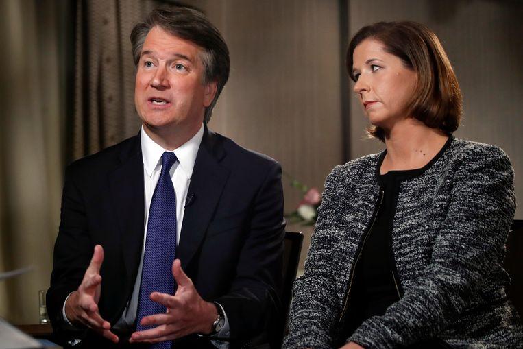 Brett Kavanaugh en zijn vrouw Ashley tijdens het interview op de Amerikaanse tv-zender Fox News.
