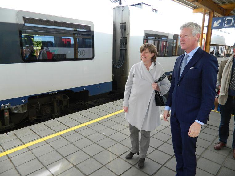 AALTER: Pieter De Crem haalde vorig jaar NMBS-baas Sophie Dutordoir nog naar Aalter voor een bezoek aan het station, en dat levert duidelijk resultaat op.