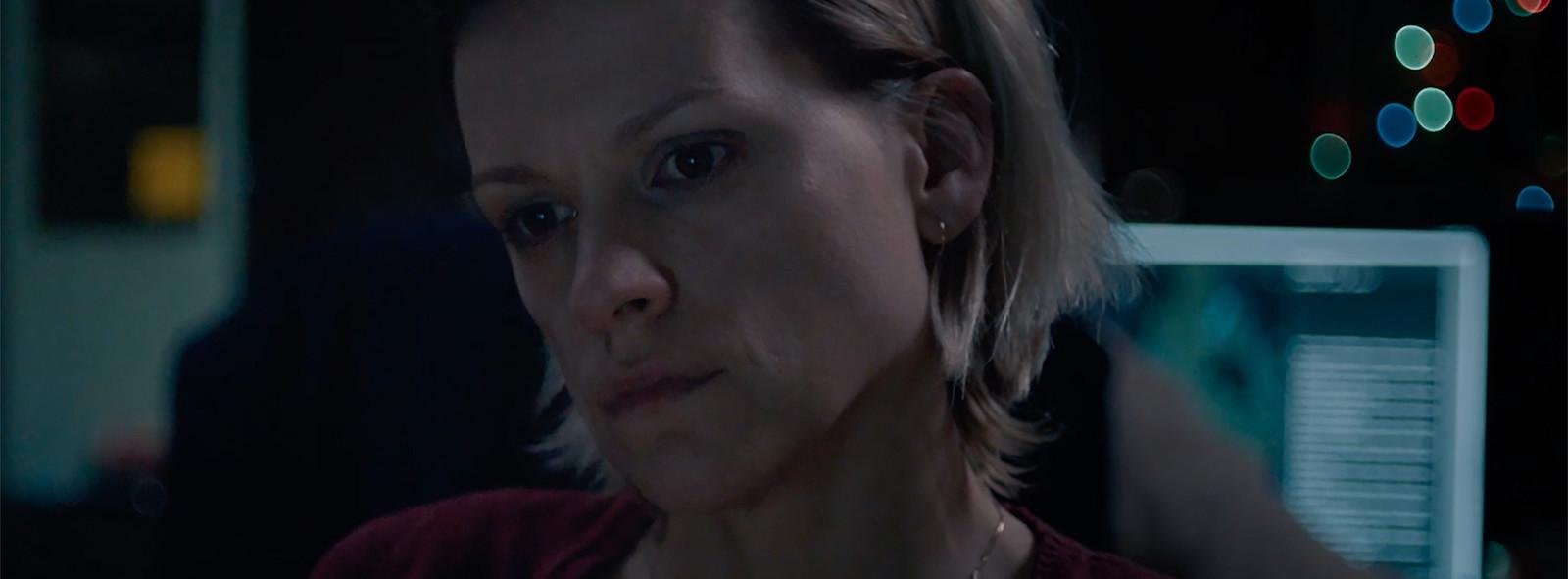 In de kortfilm 'Une Soeur' speelt Baetens een operator van de noodcentrale die een ontvoerde vrouw probeert