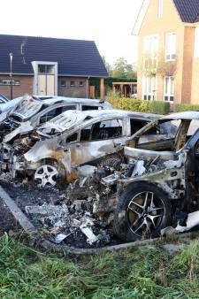 Vier auto's uitgebrand in Culemborg: 'Blijkbaar is nu Parijsch aan de beurt'