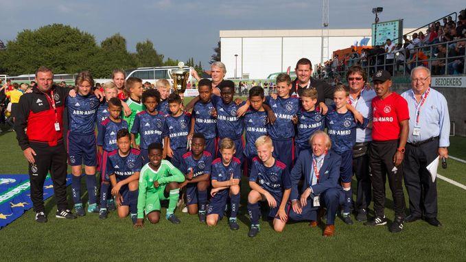 Voetballertjes uit Japan en Namibië present op Europees miniementornooi
