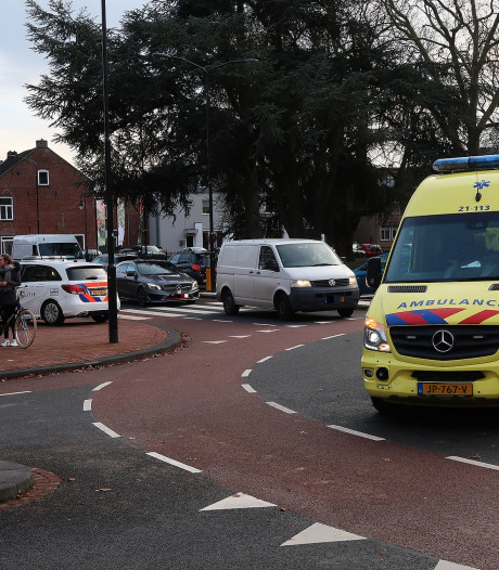 Persoon gewond geraakt na botsing op rotonde in Oss