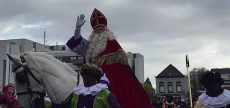 Feestelijke intocht Sint in Roosendaal met 275 Pieten