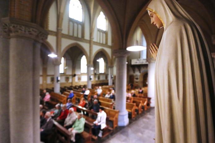 Voor veel reageerders betekent de katholieke kerk meer dan enkel het instituut. Elkaar bijstaan, bemoedigen en inspireren speelt vaak een grote rol.
