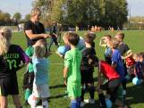 Oud-profvoetballer Wim Kieft geeft voetbalclinic