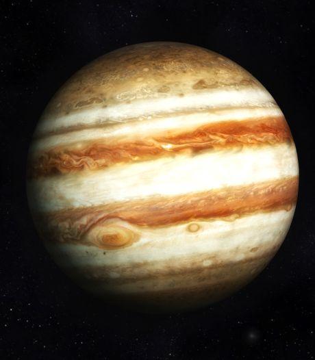 """Un phénomène rare dans le ciel ce 21 décembre: la """"grande conjonction"""" entre Saturne et Jupiter"""