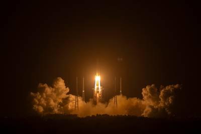 chinese-verkenner-landt-op-de-maan-voor-heel-complexe-missie