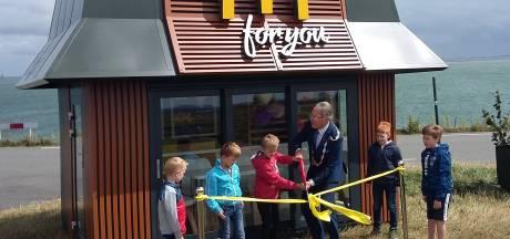McDonald's opent tijdelijke minivestiging op Schouwen-Duiveland