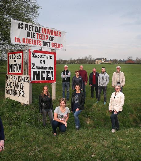 Strijdbare buurt Nieuw-Dijk geeft de moed niet op