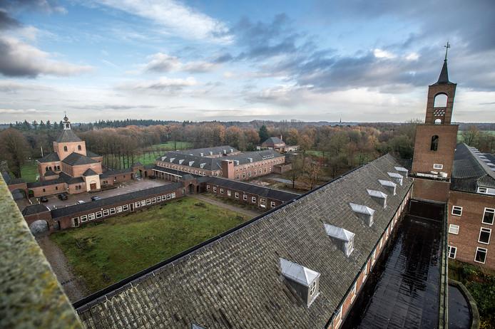 Voormalig sanatorium annex medisch centrum De Klokkenberg aan de Galderseweg in Breda wordt ontwikkeld tot wooncomplex. Op de foto zicht vanuit één van de karakteristieke torens.
