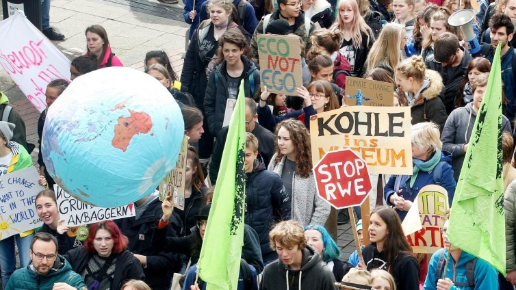 Demonstranten willen de IAA in Frankfurt blokkeren