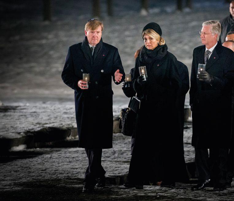 27 januari 2015. In Auschwitz tijdens Holocaust Memorial Day. Rechts koning Filip van België. Beeld TRBEELD