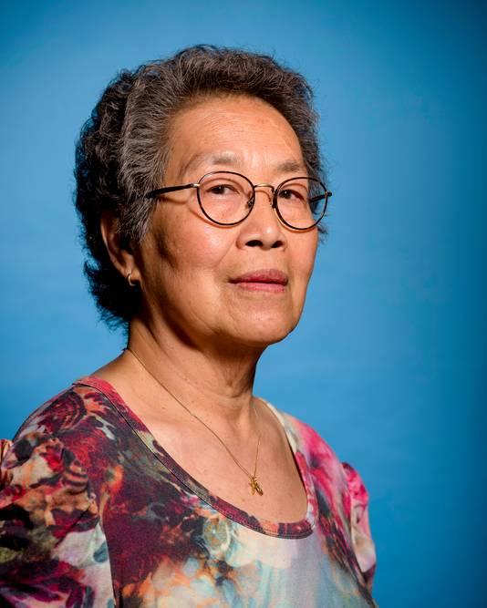 Portret van oud-verpleegkundige Cis Lebour.