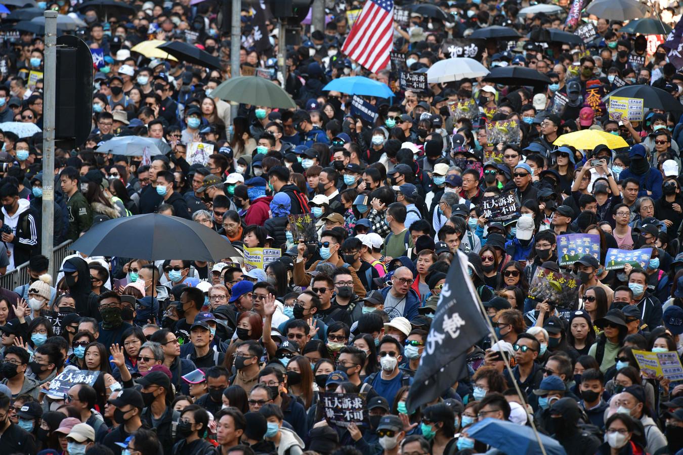 Opnieuw zijn in Hongkong veel mensen op de been om te protesteren tegen de invloed van de Chinese regering.