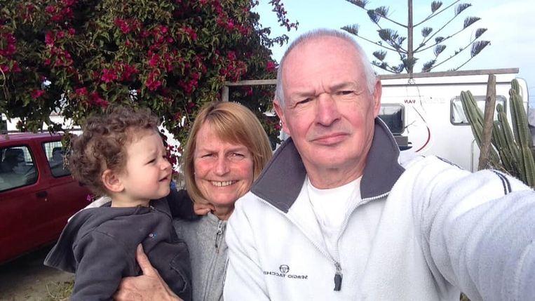 Geert, Viviane en hun kleindochter in Portugal.