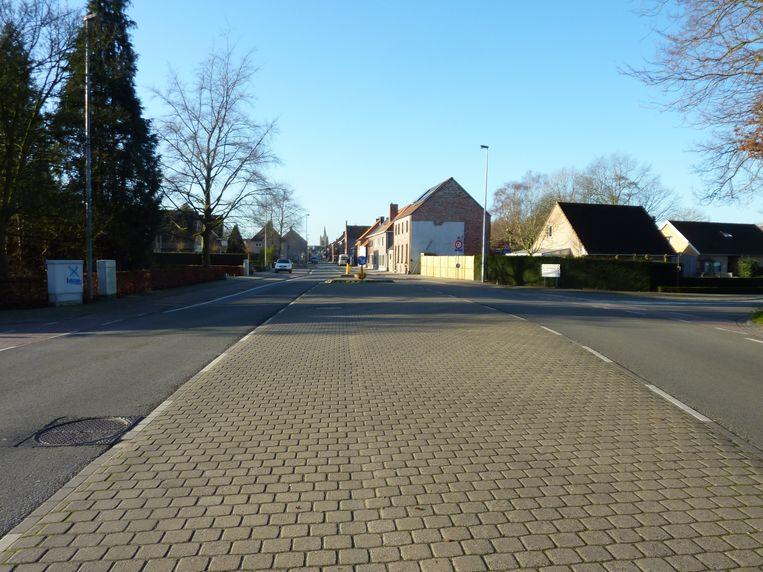 De digitale vrachtwagensluis werd geïnstalleerd in de Sint-Elooisstraat.