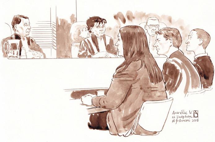 Rechtbanktekening van de Apeldoornse verdachte Aurelie V. in de rechtbank in Zutphen.