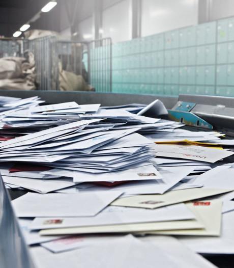 Bredase bezorger houdt 99 postzakken verborgen in zijn schuur