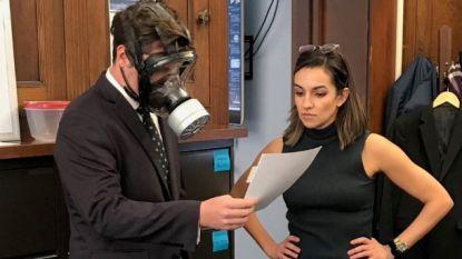 Republikein daagt op met gasmasker voor stemming over miljardenuitgave tegen corona