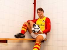 Talent Paymans (17) laat zich zien bij Riel na blessure eigen trainer: 'Deze kans moet je grijpen'
