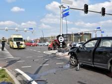 Vrouw (56) uit Goirle ernstig gewond bij botsing tussen auto en brommobiel in Goirle