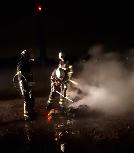 Kasten in brand gestoken in Kruisland, brandstichters bekeurd door politie