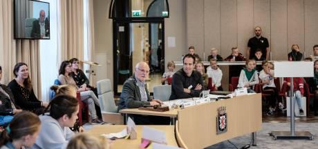 Deze verse wethouder is één van de oudste van Nederland, maar hij heeft er zin in!