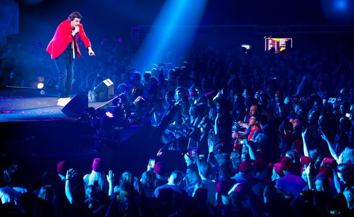 Snollebollekes tijdens een optreden in een uitverkocht GelreDome in Arnhem.