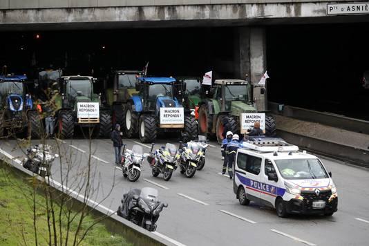 De acties leiden tot grote drukte op de wegen rond Parijs.