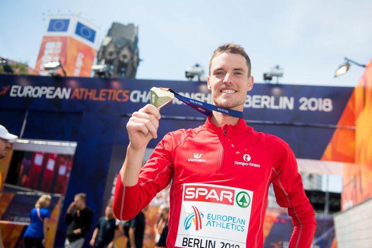 Koen Naert met z'n gouden medaille op het EK.