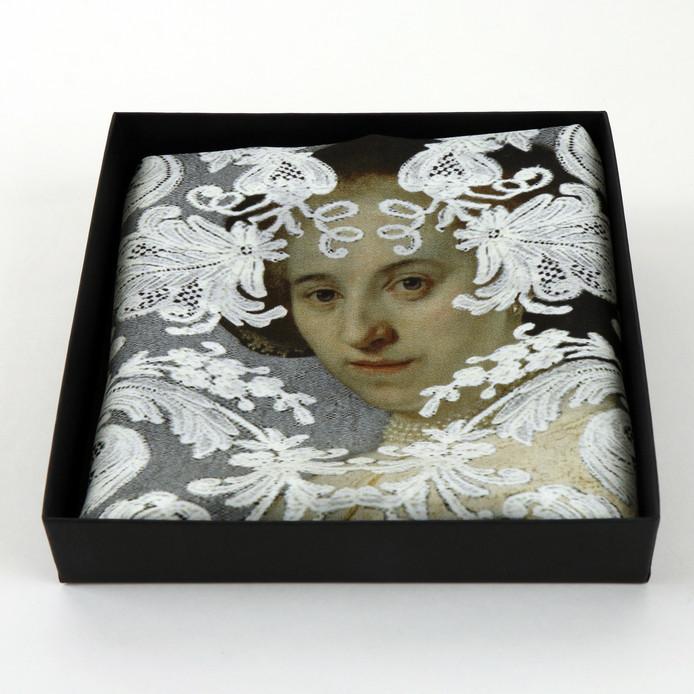 De shawl met Oopjen in een doos