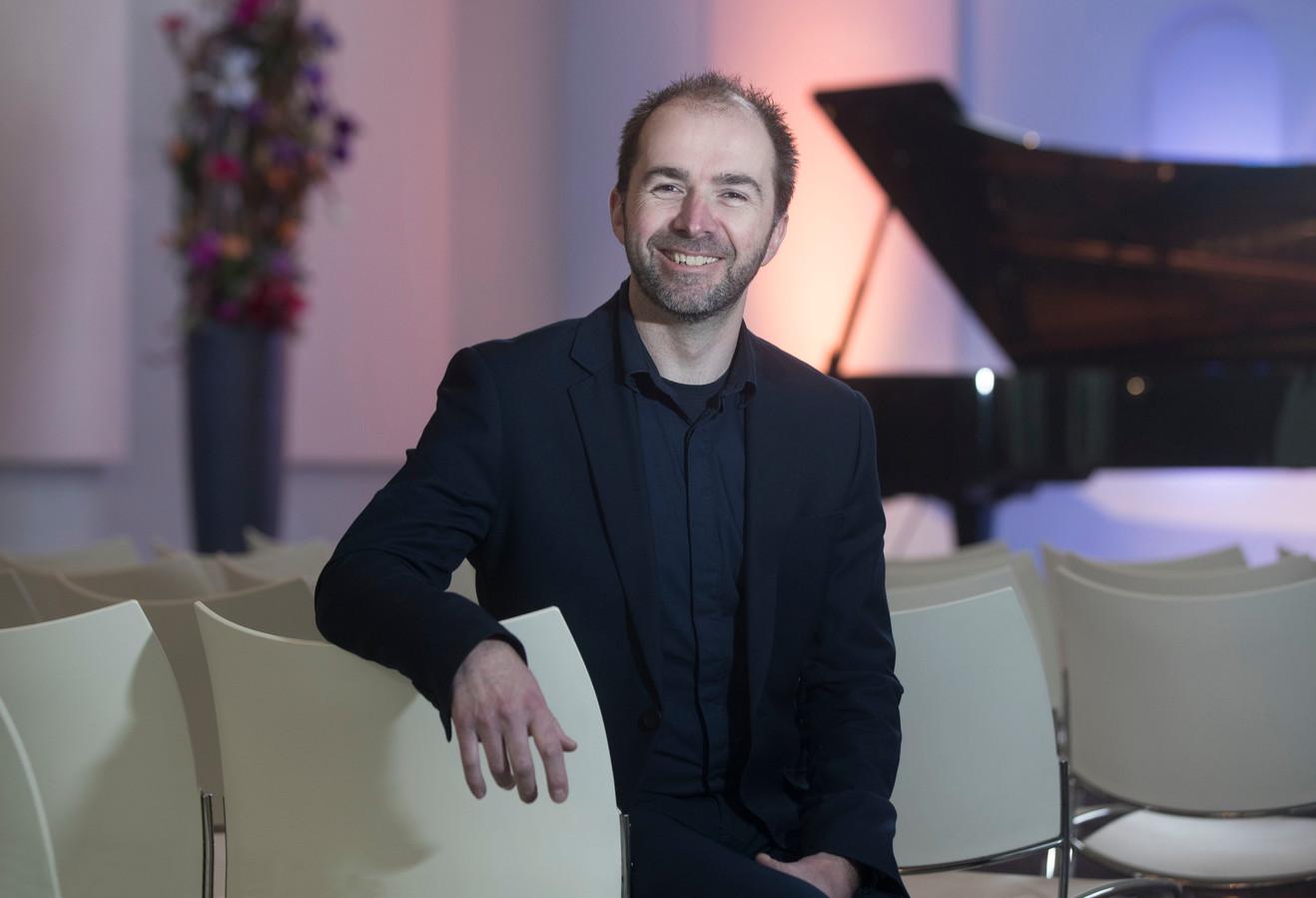Ondernemer Nando Eskes in de Edesche Concertzaal: ,,Alles zelf uitgevonden, van inrichting tot kaartverkoop.''