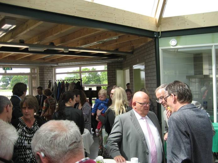 Namens het college van B en W van Maasdonk deed wethouder Ben Brands het woord (derde van links).