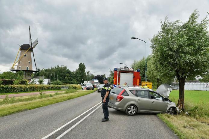 De auto na de botsing in Oisterwijk