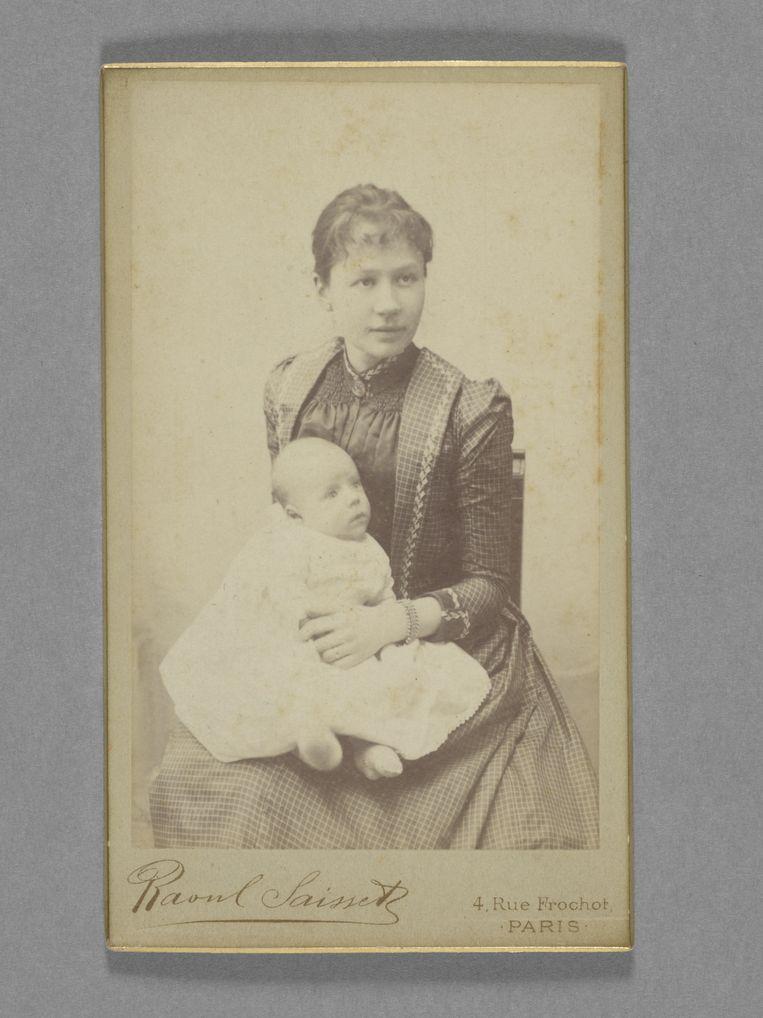 Jo van Gogh-Bonger met haar zoon in 1890.     Beeld Raoul Saisset / Van Gogh Museum