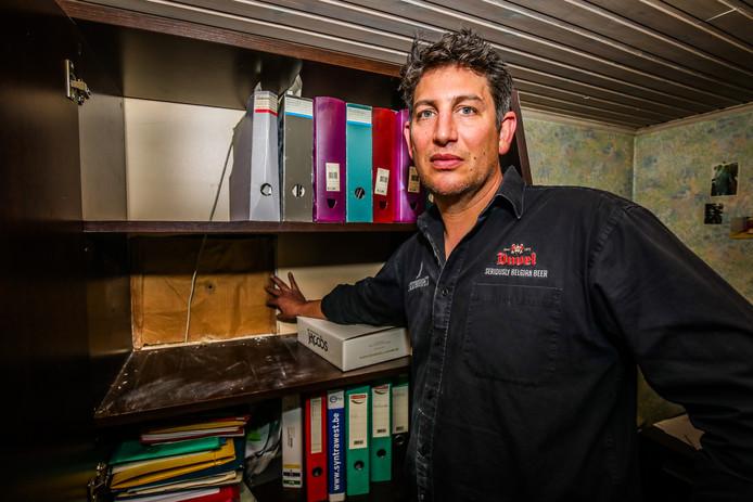 Inbraak Estaminet: uitbater Ward Devriese toont waar de kluis werd gestolen