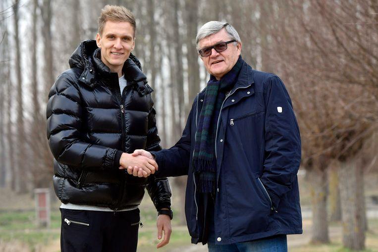 Wlodek Lubanski (rechts) met landgenoot Lukasz Teodorczyk.