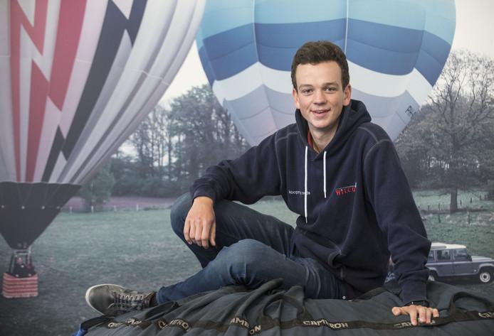 Martijn Hoogeslag (16) is de jongste ballonvaarder van Nederland. Én hij was eerder ook al de jongste zweefvlieger van Nederland.