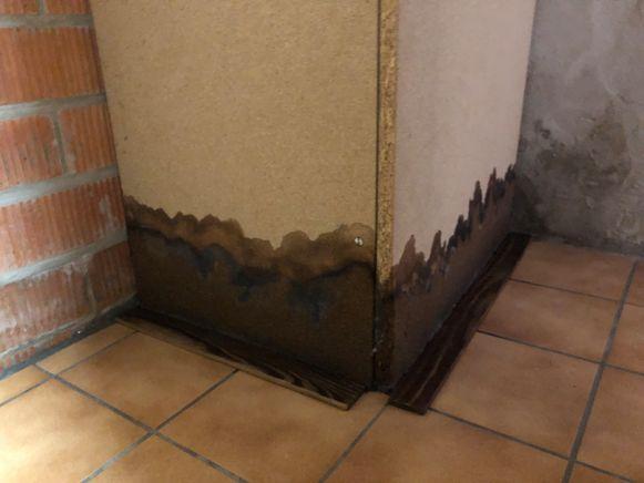 Zo hoog stond de smurrie in de kelder van Petronella.